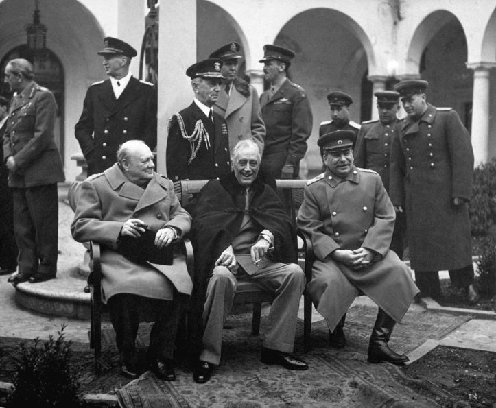 1200px-Yalta_Conference_(Churchill,_Roosevelt,_Stalin)_(B&W).jpg